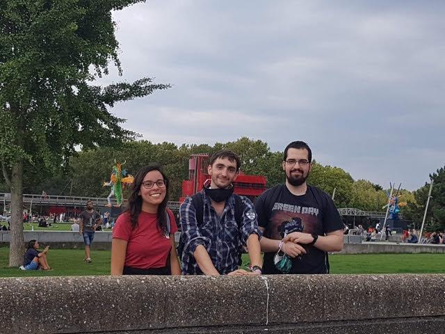 Allana, Thomas and a friend at the SMMMILE festival in Paris - Meet vegan boyfriend